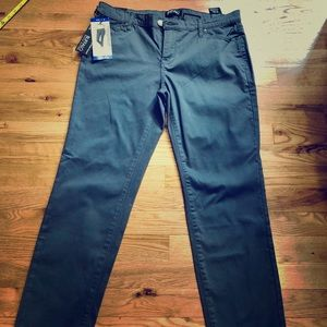 (NEW with tags) Mid Rise Skinny Pants